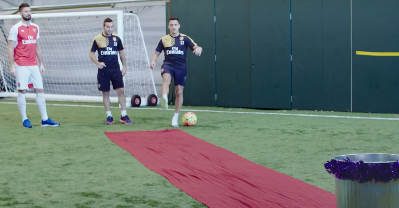 Cazorla, Sanchez, Campbell and Giroud All Try The #BeatTheBin Challenge