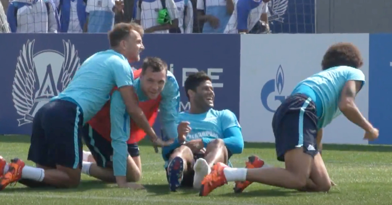 Hulk Makes An Absolute Sausage Of His Goalkeeper With This Hilarious Penalty