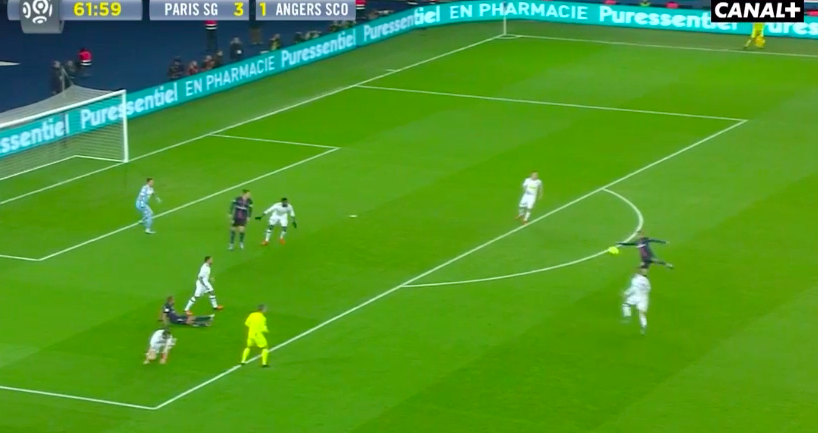 WATCH: Man Utd lose. Di Maria does this for PSG…