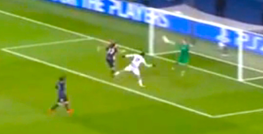 VIDEO: Kevin Trapp Denies Costa With Magnificent Reflex Save