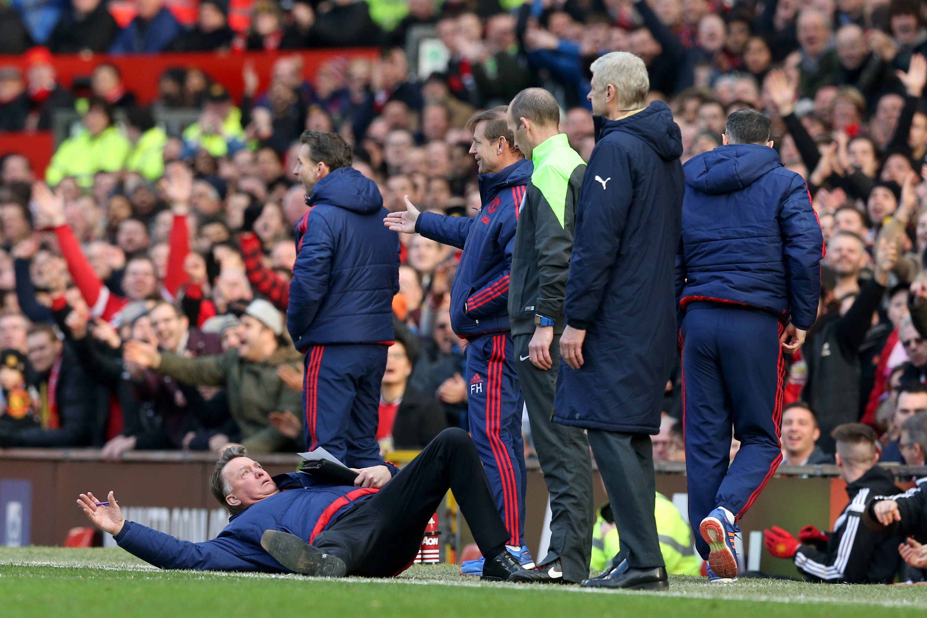 VIDEO: Louis van Gaal Dive: The Best Memes