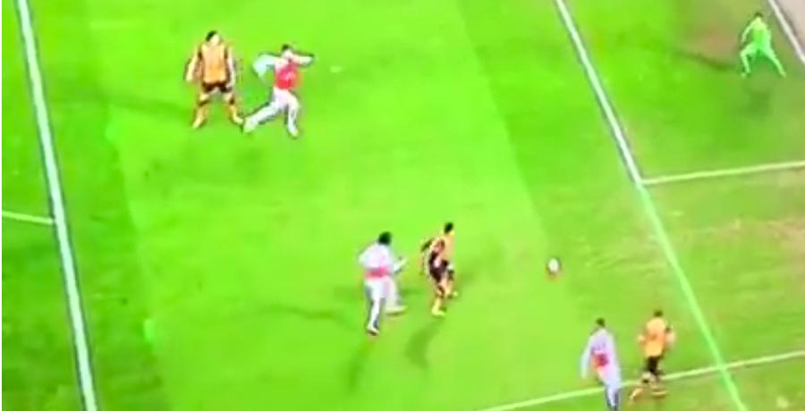GOAL: David Meyler Gifts Olivier Giroud Goal After Awful Pass Back