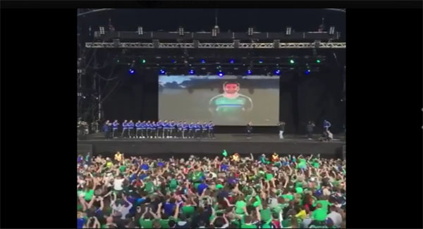 VIDEO: Northern Ireland fans erupt as players arrive in Belfast!!