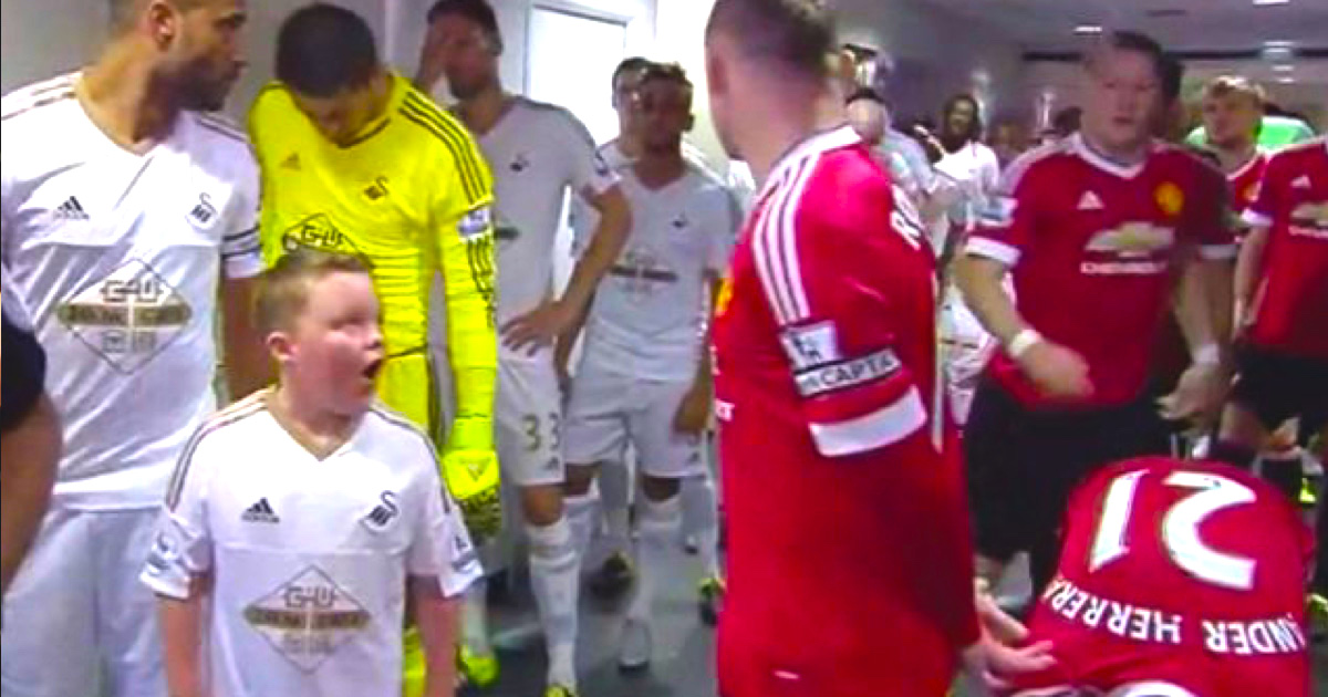 VIDEO: Watching Kids Meeting Their Football Idols Is Enough To Melt Your Heart