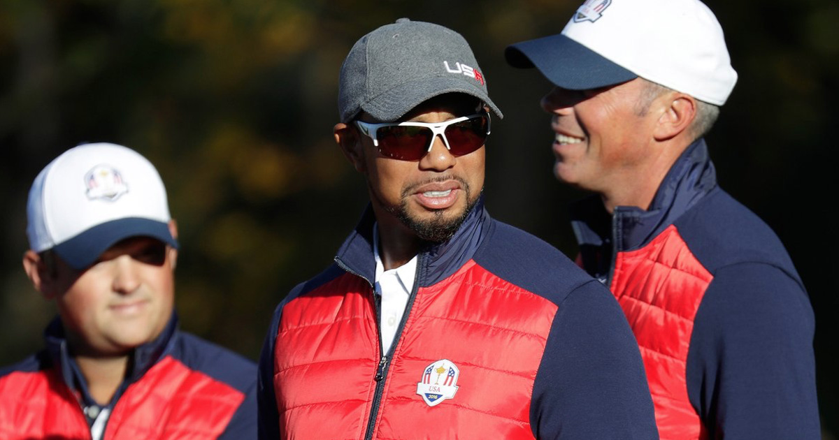 WATCH: Tiger Woods Suffers Embarrassing Moment During Ryder Cup Team Photo