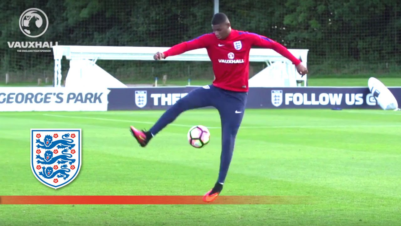 Marcus Rashford Shows Off His Skills At England U21 Training
