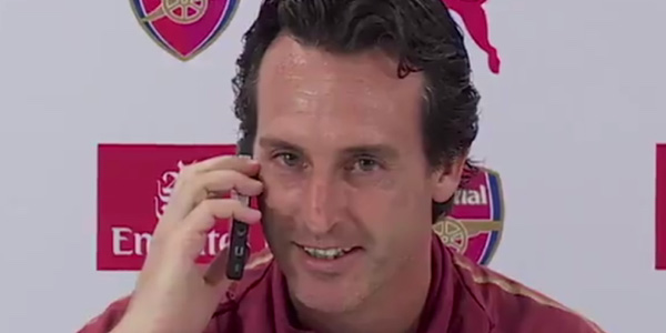 WATCH: Unai Emery answers phone call during Arsenal press conference
