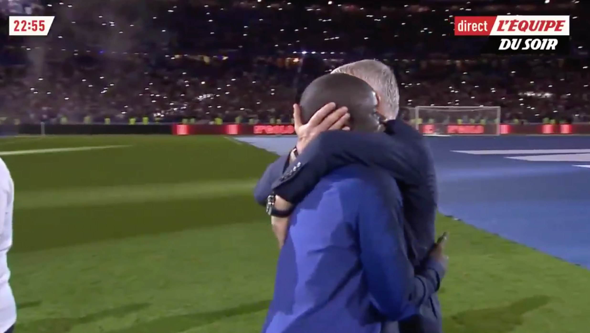 WATCH: Kante Receives Absolutely Amazing Reception From French Fans And Staff