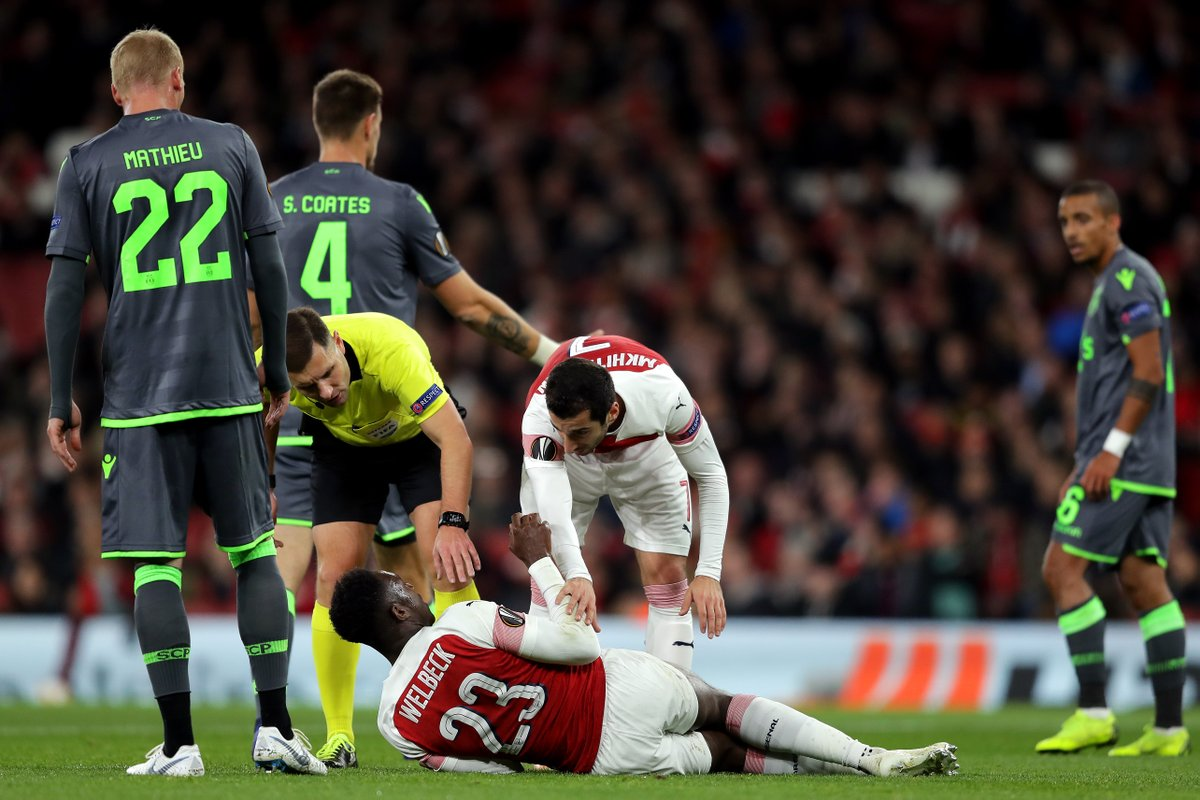 Danny Welbeck Suffers Horrific Looking Ankle Injury