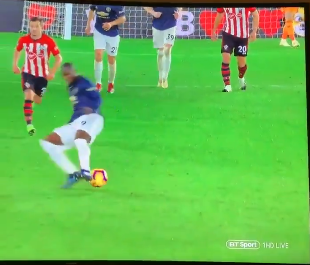 WATCH: Lukaku Trips Over The Ball And Injures Himself