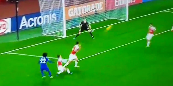 WATCH: Willian takes arguably the worst shot of all time against Arsenal