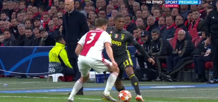 WATCH: Douglas Costa Ended Veltman's Career Tonight With An Elastico Nutmeg