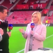 VIDEO: Carragher & Neville Seem to Walk-off from the Presenter.
