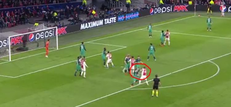 VIDEO: Matthijs de Ligt makes it Ajax 1-0 Tottenham after shocking play by Spurs ace
