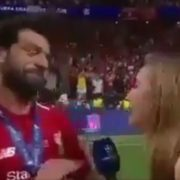 WATCH: Mo Salah thought the reporter was going in for a kiss so he raised his hand to stop her 😂😂