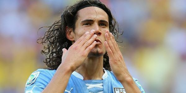 Late Cavani header sees Uruguay snatch win over Chile