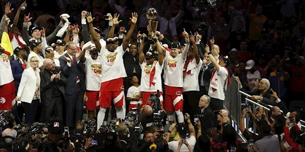 Canada celebrates after Raptors win first NBA title