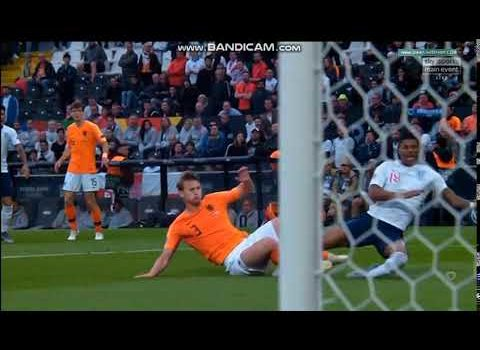 WATCH: De Ligt Gives Away a SHOCKING Penalty to Marcus Rashford