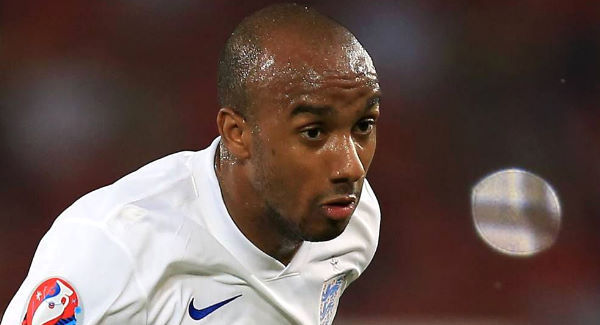 Everton sign Fabian Delph from Manchester City