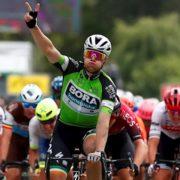 Sam Bennett completes hat-trick of stages on 'broken' bike