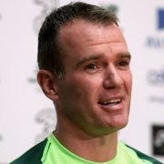 Glenn Whelan joins Hearts on one-year deal