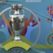 Euro 2020 qualifying wrap: 10-man Spain hold on against Romania; Italy leave it late in Armenia