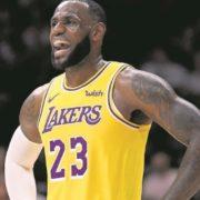 LeBron James passes Michael Jordan in NBA career field goals