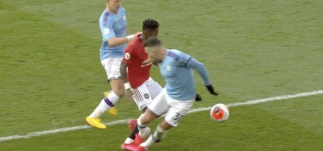 WATCH: Ref Controversially Books Fred For Diving After Contact In The Box