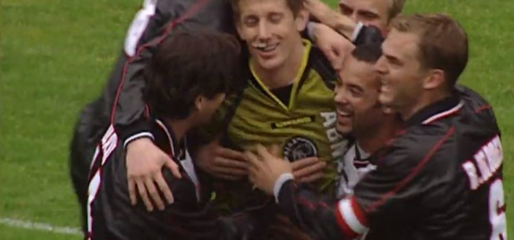 WATCH: 22 Years Ago Van Der Sar Scored His First And Only Professional Goal. The Ultimate Disrespect