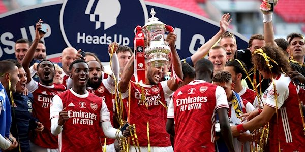 Arsenal win FA Cup beating Cheslea 2-1