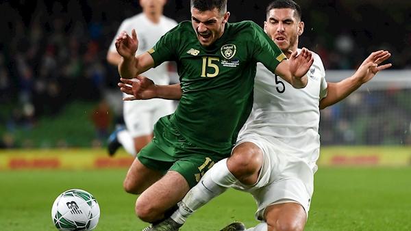 Irish striker Parrott to join Millwall on season loan