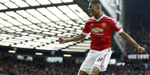 Late goals earn Manchester United win against Luton