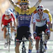 Tour de France: Roglic closes gap at top as Irish trio put in sterling efforts