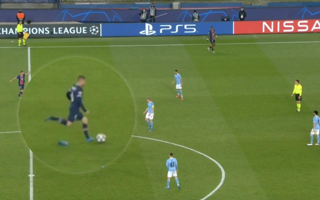 Video: Marco Verratti takes free-kick without his socks vs ...